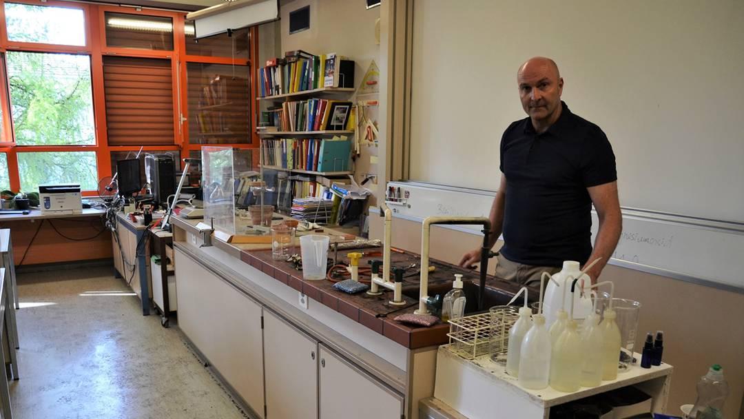 Blick ins Chemie-Unfallzimmer