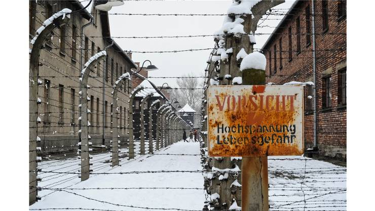 Im Konzentrationslager Auschwitz wurden über eine Million Menschen ermordet. Heute, 70 Jahre nach der Befreiung durch Einheiten der Roten Armee, findet hier eine grosse Gedenkfeier statt. AP