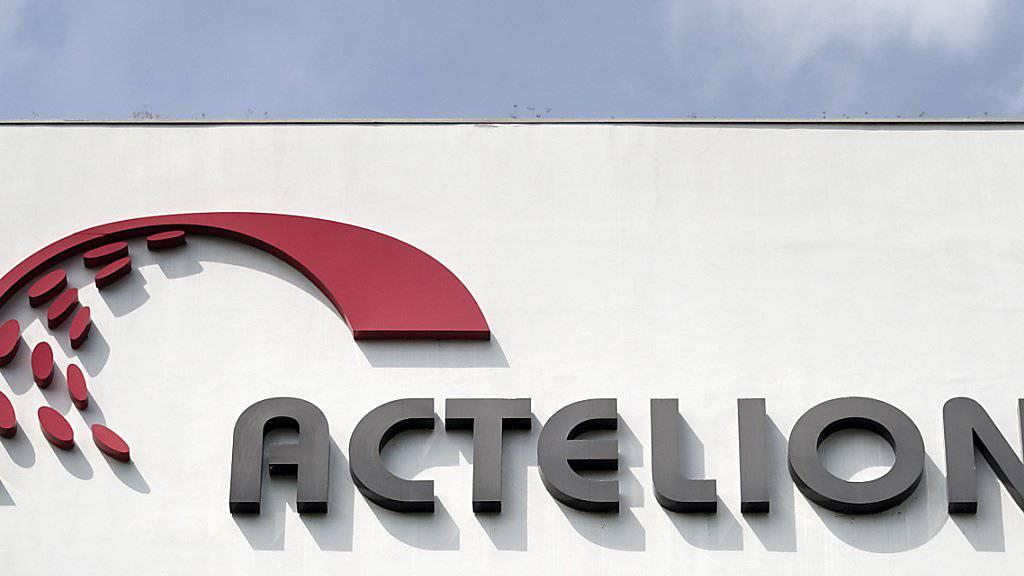 Beim Pharmaunternehmen Actelion könnten nach der Übernahme durch Johnson&Johnson am Hauptsitz in Allschwil bis zu 75 Stellen wegfallen. (Archivbild)
