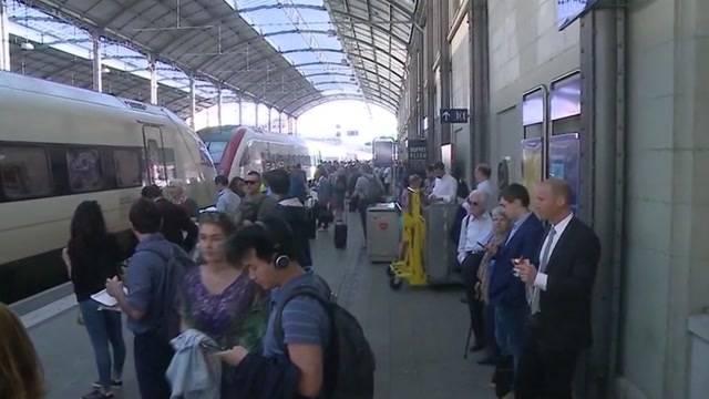 Zugstörung: Pendler brauchen viel Geduld