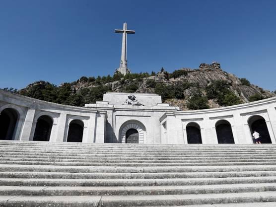 Francos Grab ist eine Pilgerstätte für die Rechten im Land.
