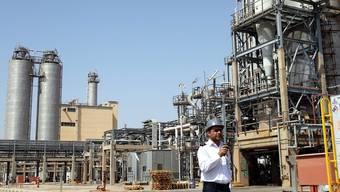 Eine Raffinerie im Südwesten des Iran (Symbolbild)
