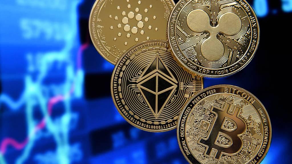 Kryptowährungen stehen unter Druck und mussten am Dienstag teils zweistellige Kursverluste hinnehmen. Am Markt ist von Überhitzung die Rede. (Symbolbild)