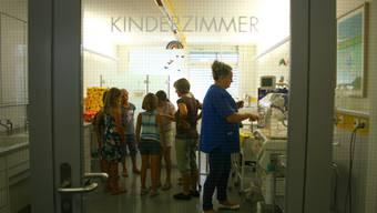 Der Kurs zum Thema Babypflege gehörte zum vielfältigen Angebot des diesjährigen Ferienpass. (Archiv)