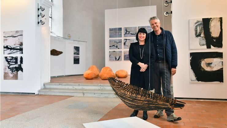 Isabelle Althaus und Sammy Deichmann stellen ihre neuesten Arbeitengemeinsam in der Alten Kirche Härkingen aus.