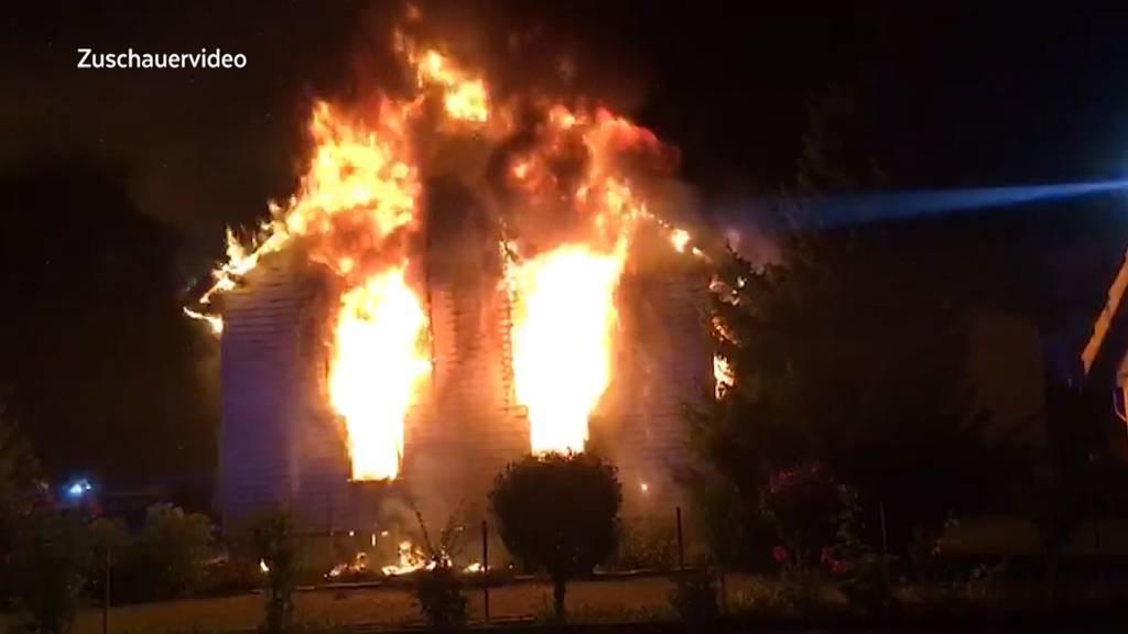 Mann stirbt bei Hausbrand in Zufikon