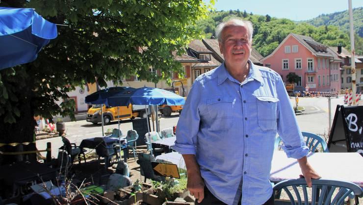 René Meiers Gartenbeiz steht im Zentrum eines Konflikts zwischen Meier, Kanton und der Gemeinde Langenbruck. Weil ein Landabtausch nicht funktionierte, kann der Kanton vorerst keine behindertengerechte Bushaltestelle auf dem Postplatz bauen.