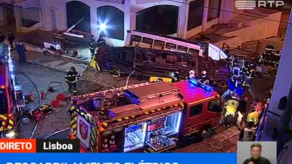 Vom historischen Tram blieben nach dem Unfall in der Lissabonner Innenstadt nur Trümmer übrig.