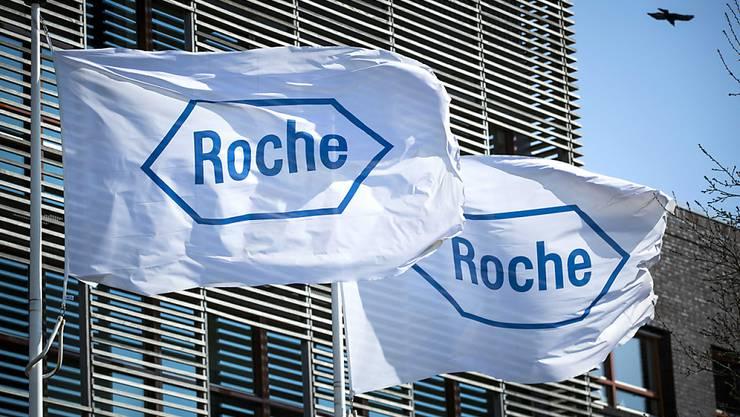 Der Basler Pharmakonzern Roche hat in der Nacht auf Sonntag die Eilzulassung von den USA für einen neuen Coronavirus-Antikörper-Test erhalten. (Archivbild)