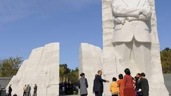 Barack Obama beim Denkmal für Martin Luther King in Washington