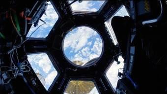 Ein 18-minütiger Flug durch die Raumstation ISS.
