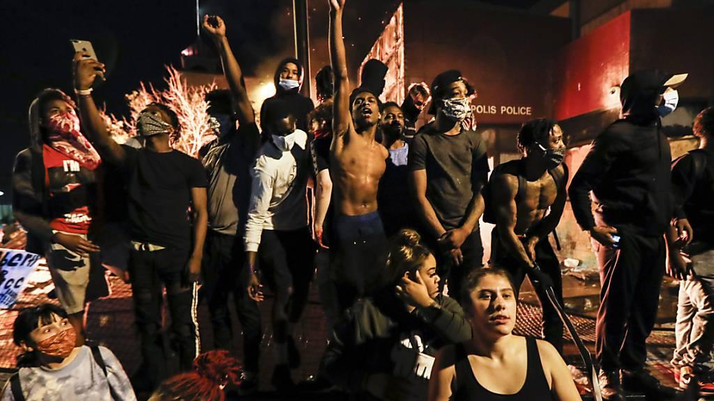 CNN-Team bei Protesten in Minneapolis zeitweise festgenommen