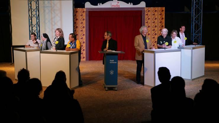 Die politische Axt wurde gestern nicht ausgepackt: Schlieremer Talk-Runde im Zirkuszelt.