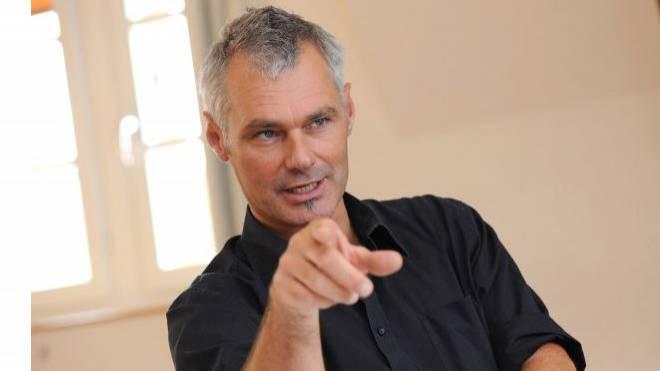Michael Wüthrich (Grüne) will sich und seine Lehrerkollegen mit einer neuen Absenzenregelung entlasten. Foto: Juri Junkov
