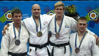 Patrik Moser (2. von links) darf stolz sein auf seine Goldmedaille.