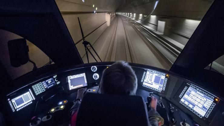 Die Strecke ist zwischen dem Hauenstein-Basistunnel und Tecknau unterbrochen. (Symbolbild)