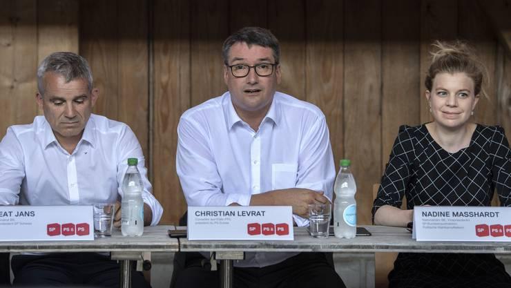 Nationalrat Beat Jans, Ständerat Christian Levrat und Nationalrätin Nadine Masshardt äussern sich zum Klima-Marshallplan.