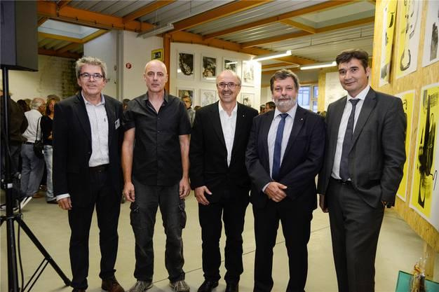 Von links: Claude Desgrandchamps (OK-Präsident), der Künstlerische Leiter Reto Emch, Philipp Glocker (Präsident Kunstgesellschaft) mit Landammann Roland Heim und Stadtpräsident François Scheidegger. Hansjörg Sahli