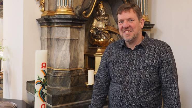 «Die Frauen müssen endlich zu Weiheämtern zugelassen werden»: Bernhard Lindner in der Pfarrkirche in Oeschgen.