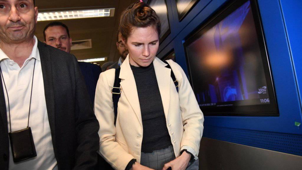 Amanda Know bei ihrer Ankunft am Donnerstag am Flughafen Mailand-Linate.