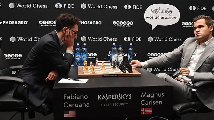 Die beiden WM-Teilnehmer Magnus Carlsen (rechts) und Fabiano Caruana.