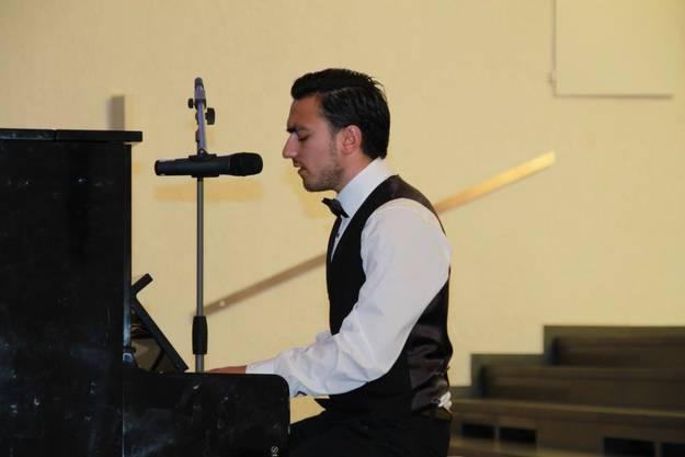"Luca Crivaro sang ""Cry me a River"" von Justin Timberlake"