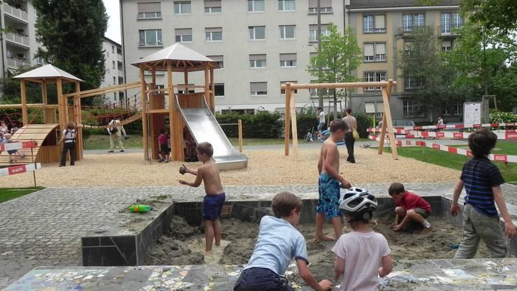 Der neue Spielplatz an der Andreas-Heusler-Strasse ist sicherer.  ZVG