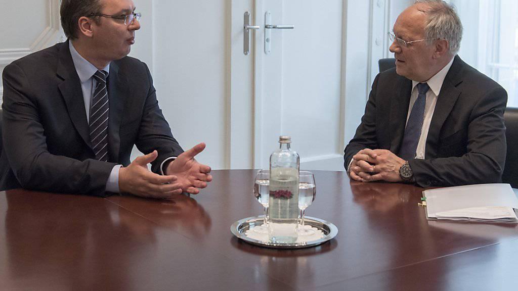 Angeregte Diskussion: Der serbische Ministerpräsident Vucic (links) bei Bundespräsident Schneider-Ammann.