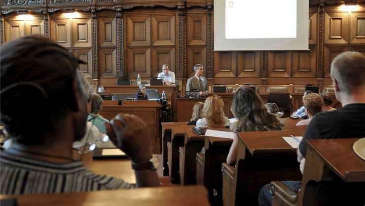 Der Grossratssaal im Basler Rathaus.