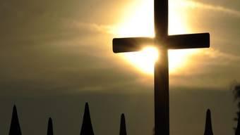 Der Mitgliederschwund setzte sich auch 2018 in allen Landeskirchen fort (Symbolbild)