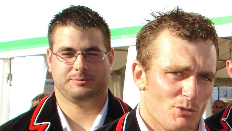 Der Sieger Cédric Huber (links) und Christophe Löw (zweiter von links). Foto: Wenger