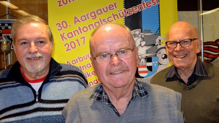 Die Podestplätze des diesjährigen Jassens der Aargauer Schützenveteranen erreichten Peter Müller, Vordemwald, 2., Raimund Schmid, Ehrendingen, 1. und Kurt Reinle, Wegenstetten, 3. (v.l.n.r.)