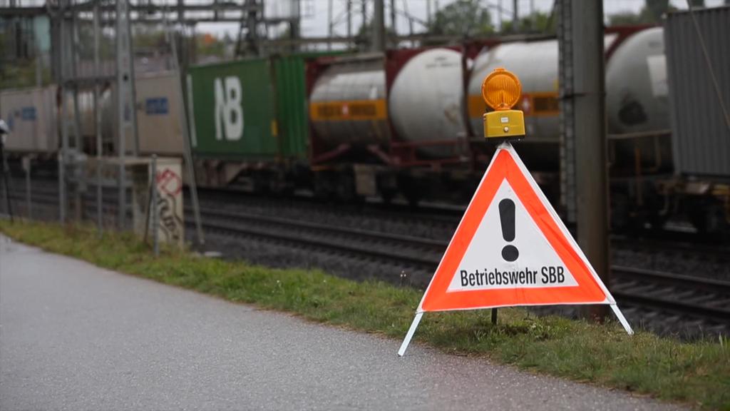Öl ausgelaufen: Bahn-2000-Strecke gesperrt