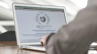 Die Online-Enzyklopädie Wikipedia wird gerne zur Optimierung der PR genutzt. (Symbolbild)