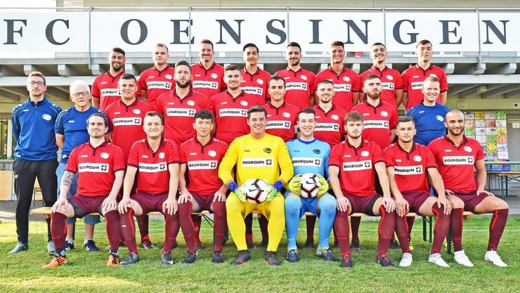 Die Mannschaft des FC Oensingen für die 2.-Liga-Saison 2019/20 mit Trainer Andy Frei (ganz links).