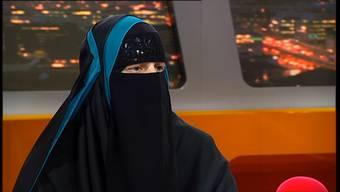 Die bekannteste Burka-Trägerin der Schweiz erlag am Montagabend einem Brustkrebsleiden. Die Mitbegründerin des Islamischen Zentralrats der Schweiz (IZRS) hinterlässt ihren Ehemann und sechs Kinder.