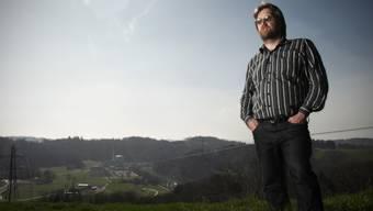 Sieg über Mühleberg: Jürg Joss kurz nach Fukushima vor dem bernischen Atomkraftwerk.