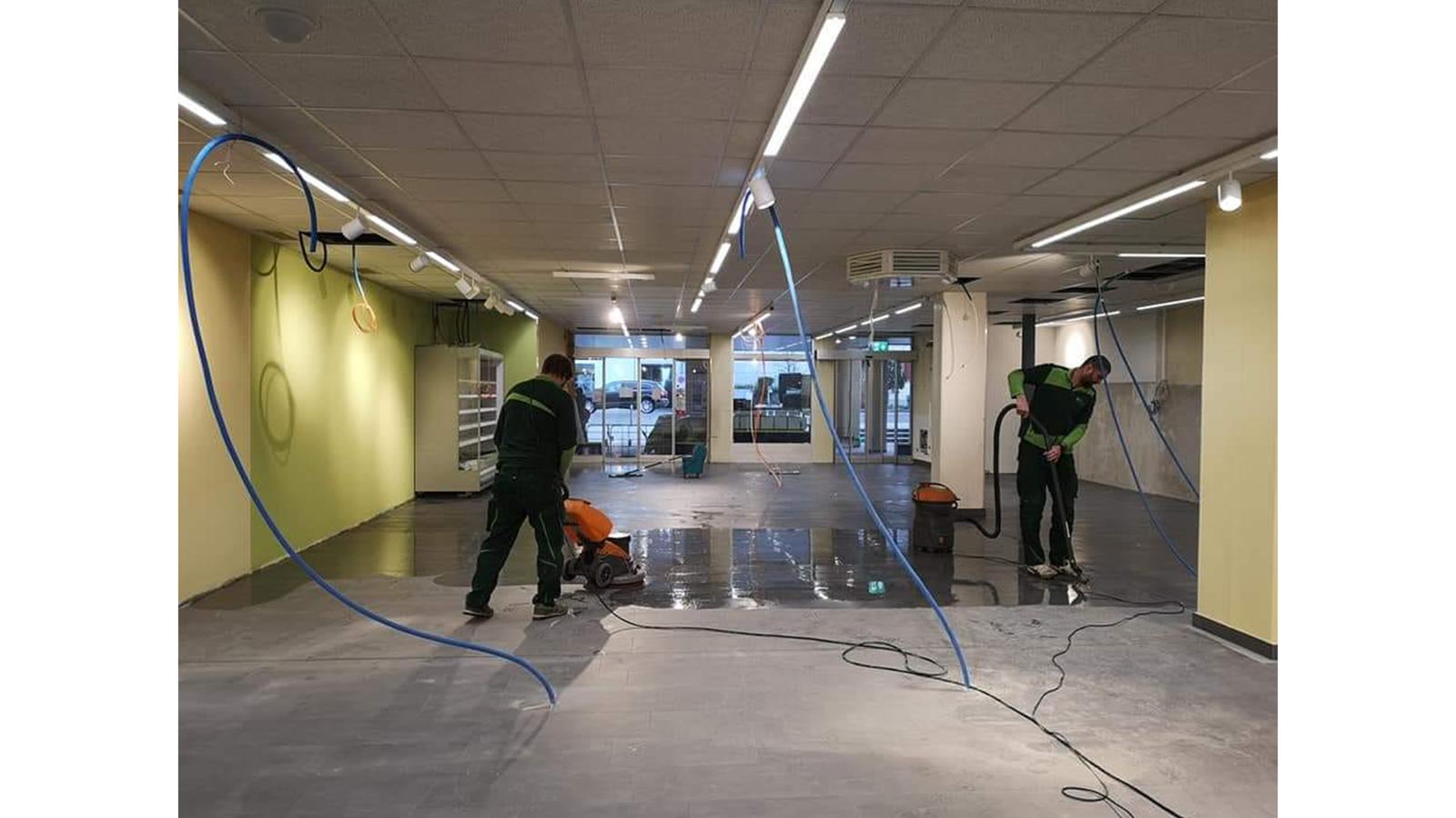 So fleissig arbeitet Hausmeister Michel und sein Team. (© Radio 24)