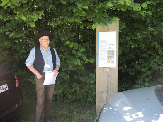 Schon vor dem Einsteigen erzählt er von Flösser-Sämi, einem waghalsigen Schweizer Flösser aus Aarburg