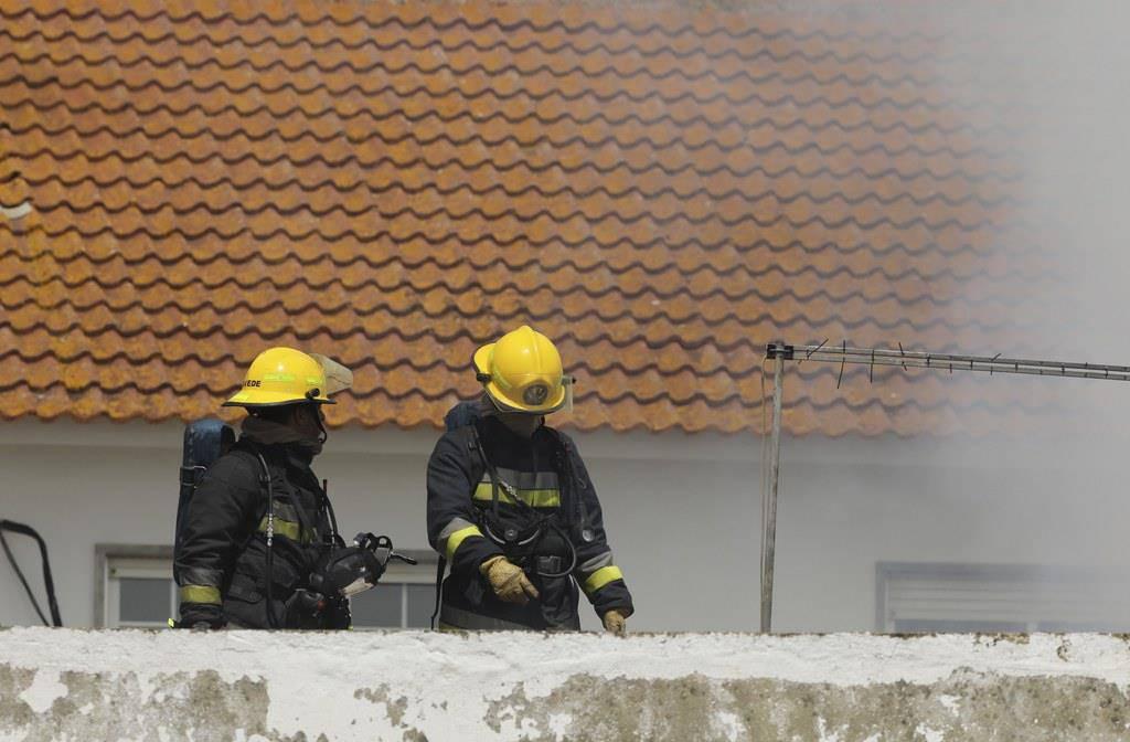 Das in der Schweiz registrierte Flugzeug stürzte am Montagmittag ab. (© Keystone/EPA/ANTONIO COTRIM)