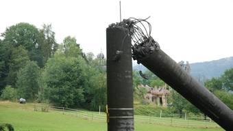 Unwetterschäden in Bergdietikon: Mast knickt