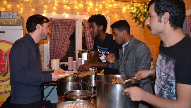 Der 23-jährige Eritreer Samuel Teklia (zweiter von links) gehörte zum Serviceteam.