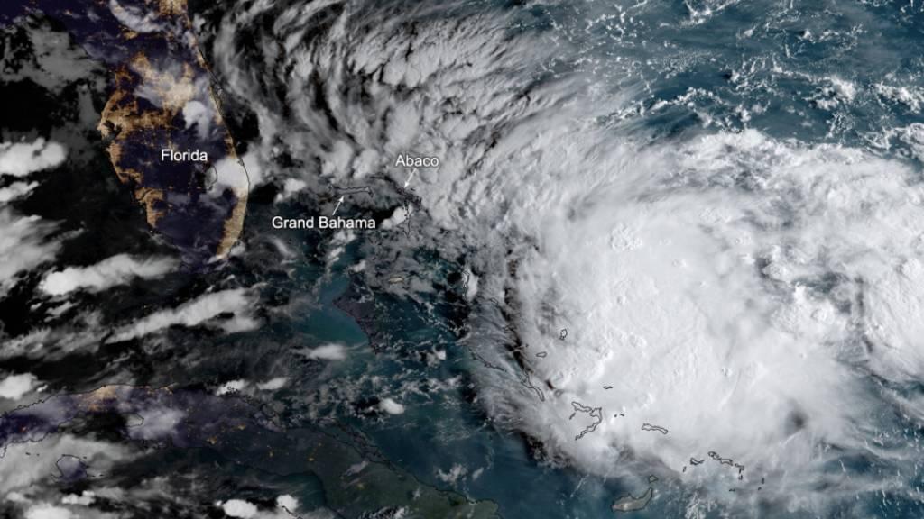 Neues Unwetter für Bahamas, Hurrikanwarnung für Florida