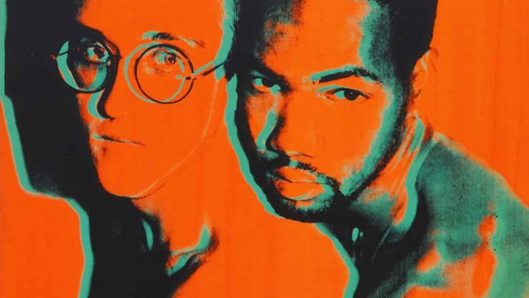 HANDOUT - Das unbetiteltes Werk von Andy Warhol zeigt Keith Haring (l) mit Juan DuBose - einem DJ sowie Partner und Liebhaber von Haring, der 1988 an Aids verstarb. Foto: -/Sotheby's/dpa - ACHTUNG: Nur zur redaktionellen Verwendung im Zusammenhang mit einer Berichterstattung über die Auktion und nur mit vollständiger Nennung des vorstehenden Credits