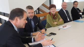 Die Oltner Stadträte von links: Peter Schafer, Thomas Marbet, Iris Schelbert, Martin Wey und Benvenuto Savoldelli.