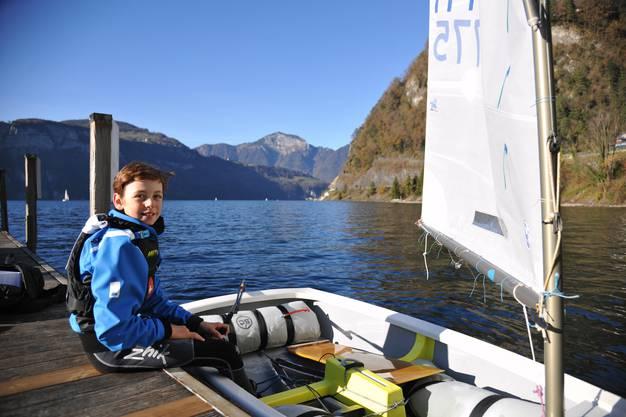 Damian Berther gehört zu den besten Nachwuchsseglern in der Schweiz.