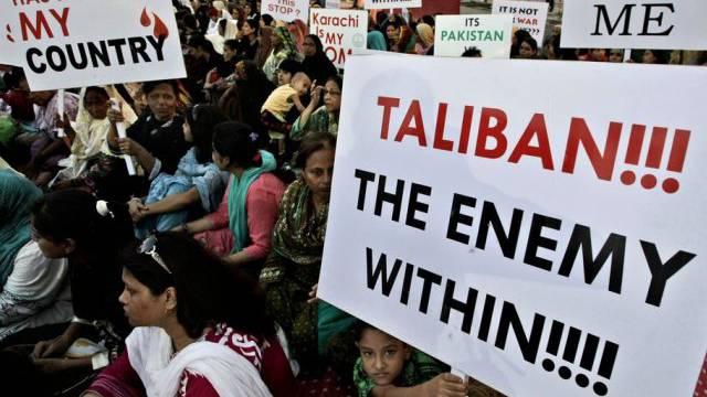 Protest gegen Terrorismus in der pakistanischen Metropole Karachi