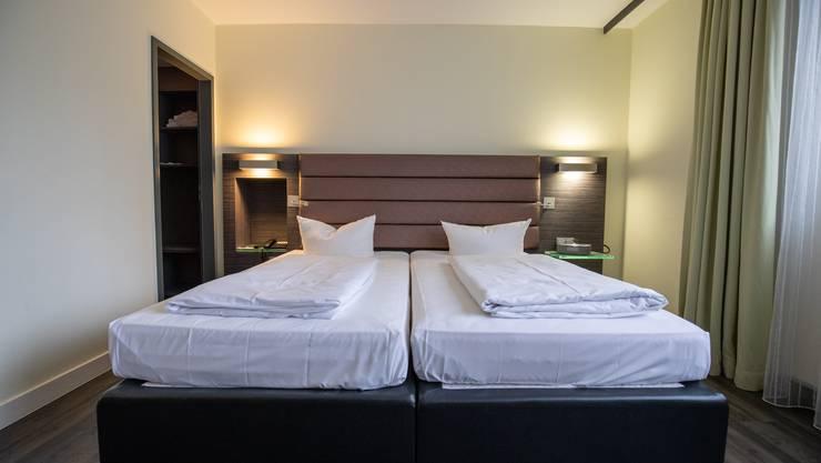 Leere Betten: Die Hotellerie verzeichnete in der Coronakrise im April einen äusserst starken Rückgang der Anzahl Logiernächte. (Symbolbild)