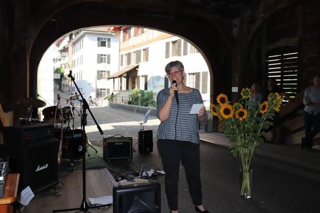 Badens Stadträtin Regula Dell'Anno bedankte sich unter anderem bei Daniela Fleischmann, der Geschäftsleiterin des HOPE, für ihren unermüdlichen Einsatz für die Notschlafstelle.