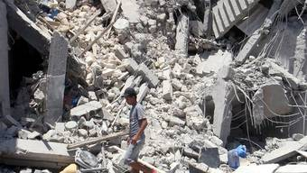 Die NATO hat in Tripolis ein Wohnhaus bombardiert